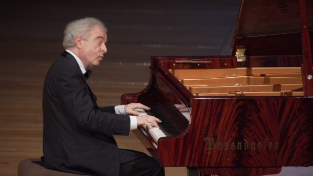 Sir András Schiff joue Beethoven